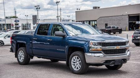 """2018 Chevrolet Silverado 1500 WD Crew Cab 143.5"""" Work Truck BLUETOOTH CAMERA V8                    à Montréal"""