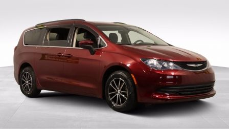 2017 Chrysler Pacifica TOURING AUTO A/C MAGS GR ELECT CAM RECUL BlUETOOTH                    à Montréal