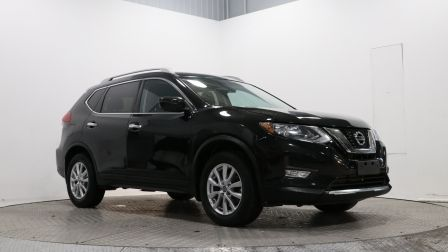 2017 Nissan Rogue SV                    in Vaudreuil