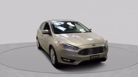 2018 Ford Focus Titanium Hatchback Mags Toit-Ouvrant Bluetooth                    à Saguenay