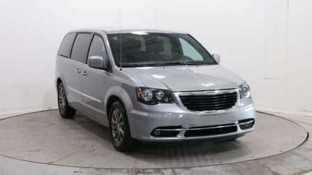 2015 Chrysler Town And Country S                    à Vaudreuil